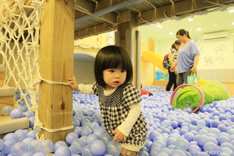 [台北親子餐廳]大樹先生的家親子空間,超大球池IMG_0089