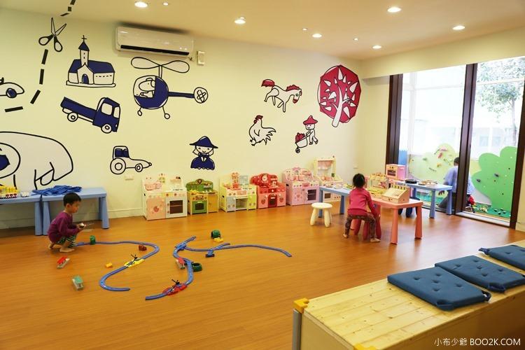 [台北親子餐廳]大樹先生的家親子空間,超大球池IMG_9952