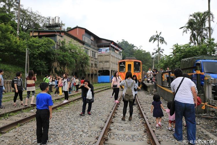 [台北]搭平溪支線小火車,青桐車站→十分車站 寫許願竹、放天燈IMG_9565