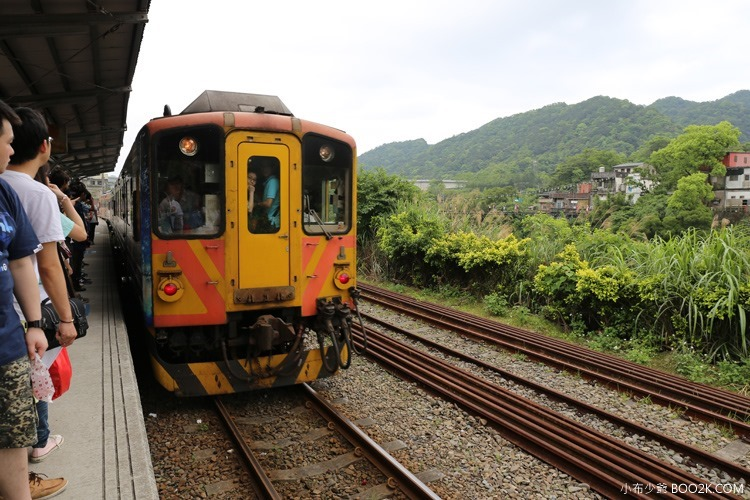 [台北]搭平溪支線小火車,青桐車站→十分車站 寫許願竹、放天燈IMG_9694