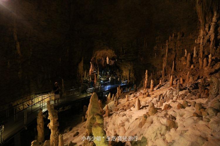 日本 沖繩 南部 玉泉洞鐘乳石洞裡的和嘆咖啡-8